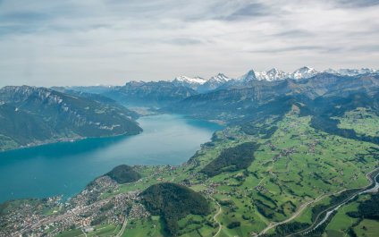 AIRPLANE SIGHTSEEING FLIGHTS IN SWITZERLAND volplaisance424x265_03
