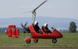 Discover the gyrocopter with Swissraft. The gyrocopter is an hybrid between an helicopter and an airplane.