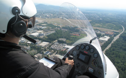 FLY A HELICOPTER OR AIRPLANE IN SWITZERLAND 05gyro424x265