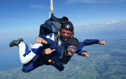 SKYDIVING IN SWITZERLAND para424x265_07
