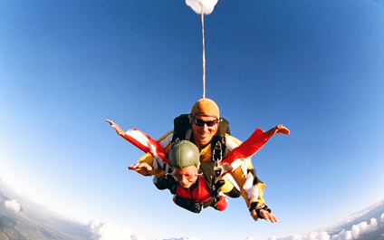 SKYDIVING IN SWITZERLAND para424x265_09