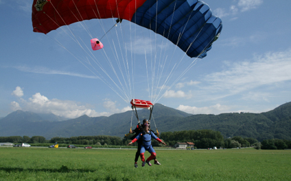 SKYDIVING IN SWITZERLAND para424x265_11