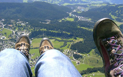 TANDEM PARAGLIDING IN SWITZERLAND biplace424x265_09.ipg