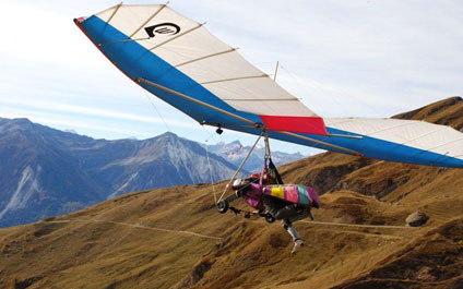 TANDEM PARAGLIDING IN SWITZERLAND delta424x265_13.jpg