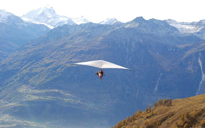 TANDEM PARAGLIDING IN SWITZERLAND delta424x265_14.jpg