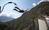 In Ticino, in Oberland Bernese and in Wallis you will be supervised by professional jump masters with the experience of thousands of jumps.