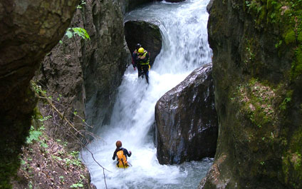 CANYONING EN SUISSE canyoning424x265_7
