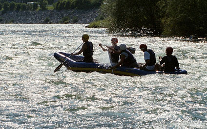 EASY RAFTING IN SWITZERLAND funraft424x265_13