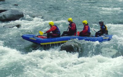 EASY RAFTING IN SWITZERLAND funraft424x265_14