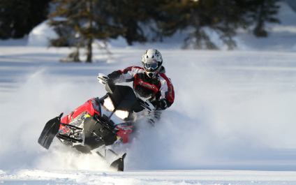 SNOWMOBILE IN SWITZERLAND AND IN THE SURROUNDING AREA 3-snowmobile424x265