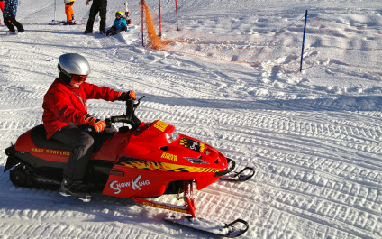 SNOWMOBILE IN SWITZERLAND AND IN THE SURROUNDING AREA 5-snowmobile424x265