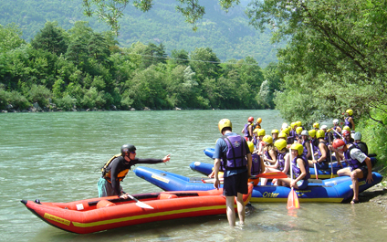 EASY RAFTING FOR COMPANIES IN SWITZERLAND funraft424x265_03