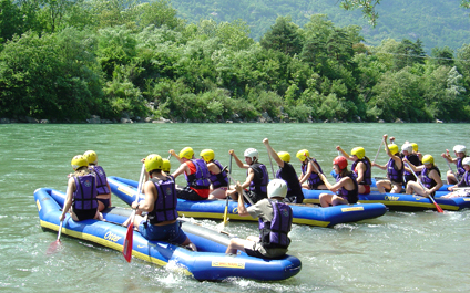 EASY RAFTING FOR COMPANIES IN SWITZERLAND funraft424x265_04