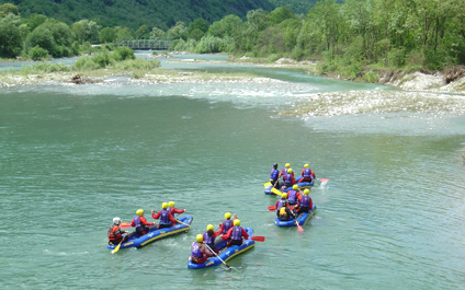 EASY RAFTING FOR COMPANIES IN SWITZERLAND funraft424x265_09