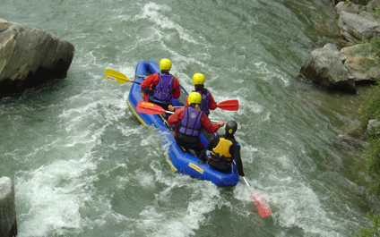 EASY RAFTING FOR COMPANIES IN SWITZERLAND funraft424x265_11