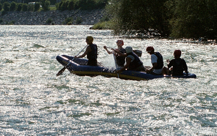 EASY RAFTING FOR COMPANIES IN SWITZERLAND funraft424x265_13
