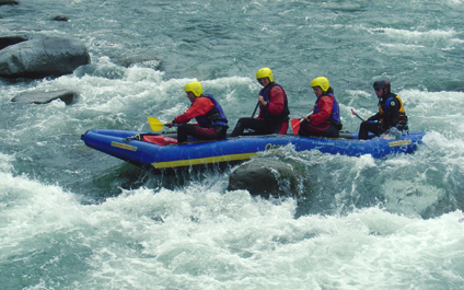 EASY RAFTING FOR COMPANIES IN SWITZERLAND funraft424x265_14