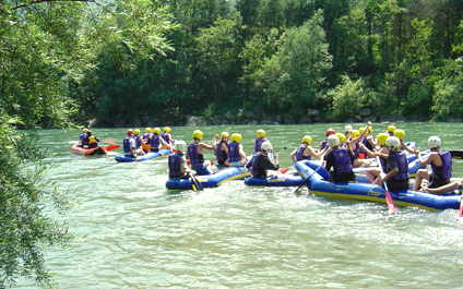 EASY RAFTING FOR COMPANIES IN SWITZERLAND funraft424x265_15