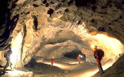CAVING / CAVES IN SWITZERLAND hoele05_424x265